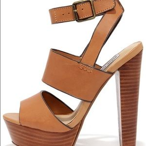 Steve Madden Dezzy Tan Leather Platform Heels
